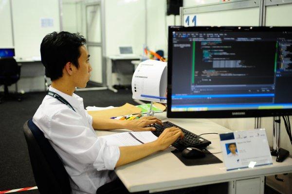 Vietnamese business people value hard work and efficiency.