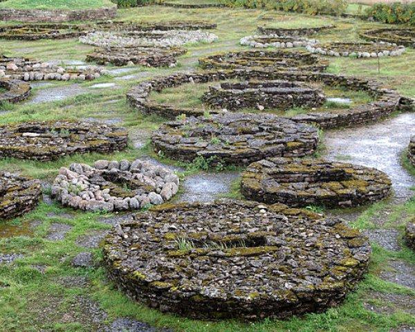 Stone graves found in north Estonia date back to the Bronze Age.