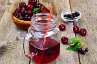 Tart Cherries and Tart Cherry Juice